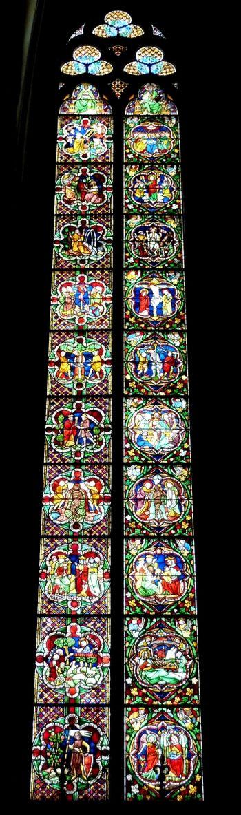 Abb. 3: Kölner Dom, Jüngeren Bibelfenster von 1280, Gesamtansicht. © GFreihalter, CC BY-SA 3.0 <https://creativecommons.org/licenses/by-sa/3.0>, via Wikimedia Commons [08.06.2021].