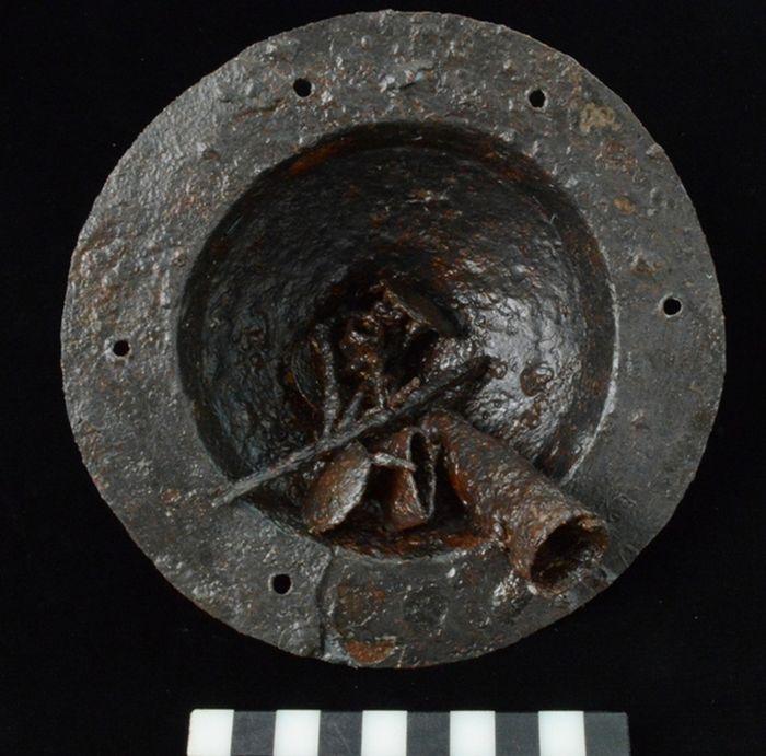 Abb. 9: Schildbuckel - Endzustand der Unterseite. © Landesamt für Denkmalpflege und Archäologie Sachsen-Anhalt, Vera Keil.