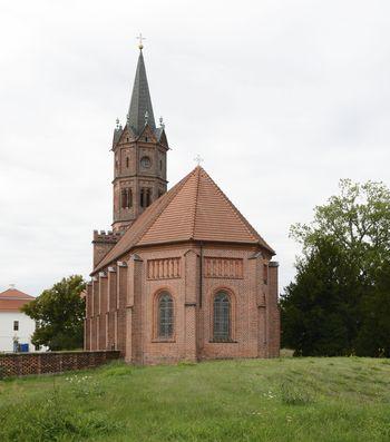 Abb. 2: Außenansicht der Kirche mit Blick auf den Chor.  © Landesamt für Denkmalpflege und Archäologie Sachsen-Anhalt, Gunnar Preuß.