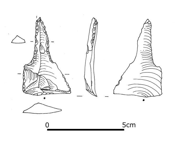 Abb. 4a: Eines der beiden Silexwerkzeuge aus dem Grab: der Bohrer. © Landesamt für Denkmalpflege und Archäologie Sachsen-Anhalt.