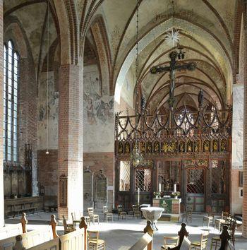 Abb. 2: Innenansicht mit Blick auf die Chorschranke. © Landesamt für Denkmalpflege und Archäologie Sachsen-Anhalt, Gunnar Preuß.