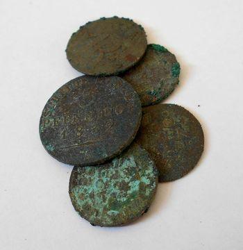 Abb. 6: Auswahl der geborgenen Münzen. © Landesamt für Denkmalpflege und Archäologie Sachsen-Anhalt, Donat Wehner.