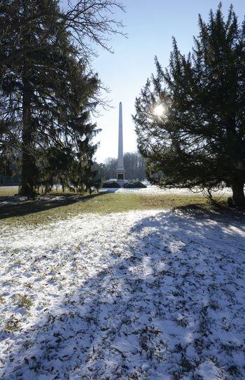 Abb. 1: Obelisk im Landschaftspark Degenershausen. © Landesamt für Denkmalpflege und Archäologie Sachsen-Anhalt, Gunnar Preuß.