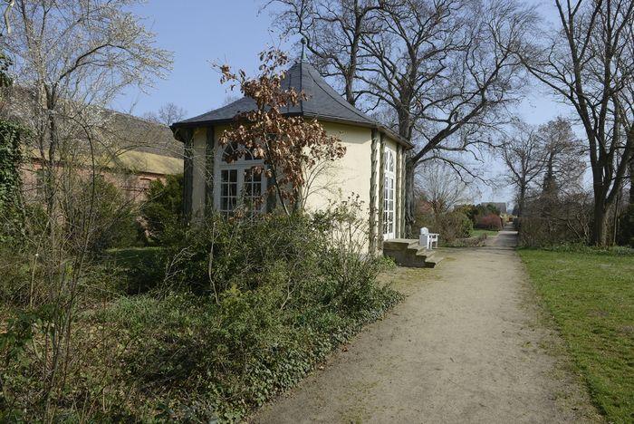 Abb. 1: Blick auf das Chinesische Teehaus. © Landesamt für Denkmalpflege und Archäologie Sachsen-Anhalt, Gunnar Preuß.