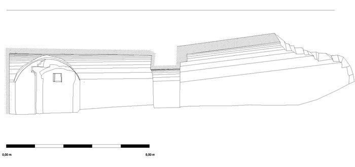 Abb. 3: Längsschnitt durch den Raum im Norden und den Gang im Norden. © Landesamt für Denkmalpflege und Archäologie Sachsen-Anhalt, S. Grosser.