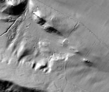 Abb. 1: Ausschnitt aus dem Laserscan mit dem Lagerbereich in den Zwiebergen östlich von Langenstein, Landkreis Harz. Deutlich erkennbar sind die Plateaus der Barackenstandorte. © Landesamt für Denkmalpflege und Archäologie, Mechthild Klamm.