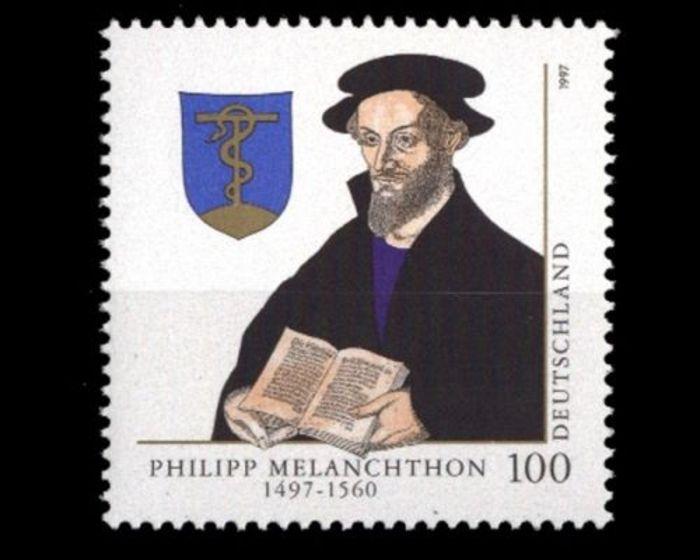 Abb. 5: Philipp Melanchton und sein Wappen mit der ehernen Schlange. © https://www.ecosia.org/images?p=2&q=briefmarke+melanchton+bild. (15.09.2017).