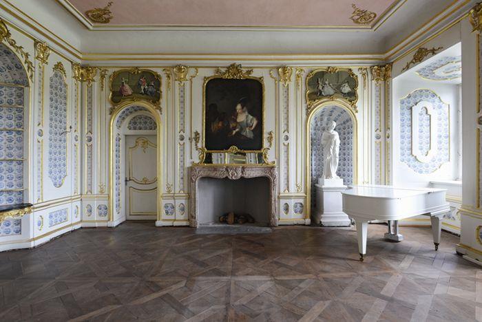 Abb. 1: Reizvolle Raumdekorationen im Rokokostil. © Landesamt für Denkmalpflege und Archäologie Sachsen-Anhalt, Gunnar Preuß.