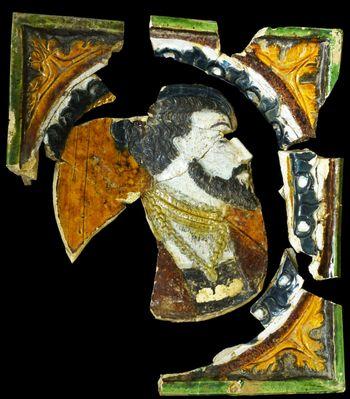 Polychrome Ofenkachel mit Herrscherporträt. © Landesamt für Denkmalpflege und Archäologie Sachsen-Anhalt, Vera Keil.
