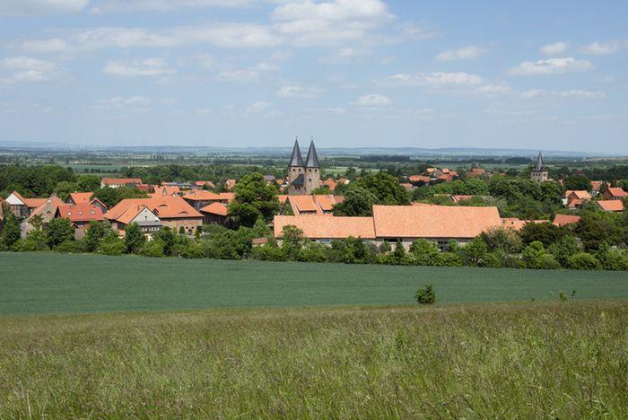 Abb. 1: Blick auf die Klosteranlage Drübeck. © Landesamt für Denkmalpflege und Archäologie Sachsen-Anhalt, R. Ulbrich.