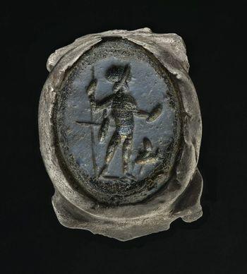 Abb. 1: Der 2014 als Einzelfund entdeckte Ring. © Landesamt für Denkmalpflege und Archäologie Sachsen-Anhalt.